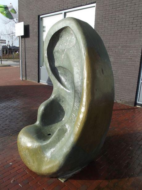 Ear (Oor)