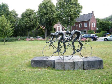 De wielrenners